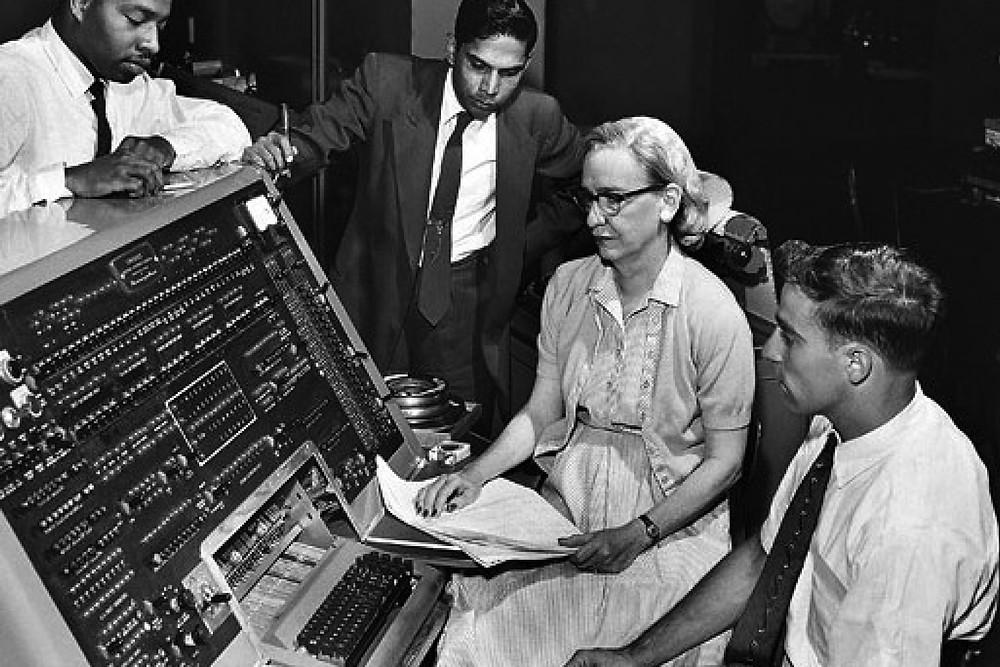 Grace Hopper Univac I donne scienza informatica storia Il Tuo Biografo