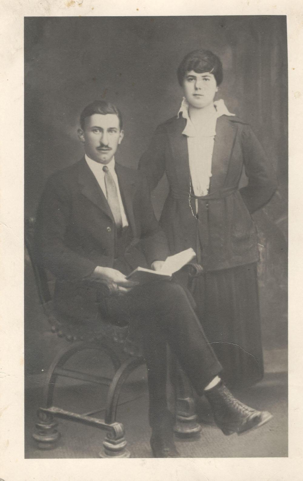 I miei bisnonni, Pietro e Maria M. - vecchie foto - storia dei nonni - racconto