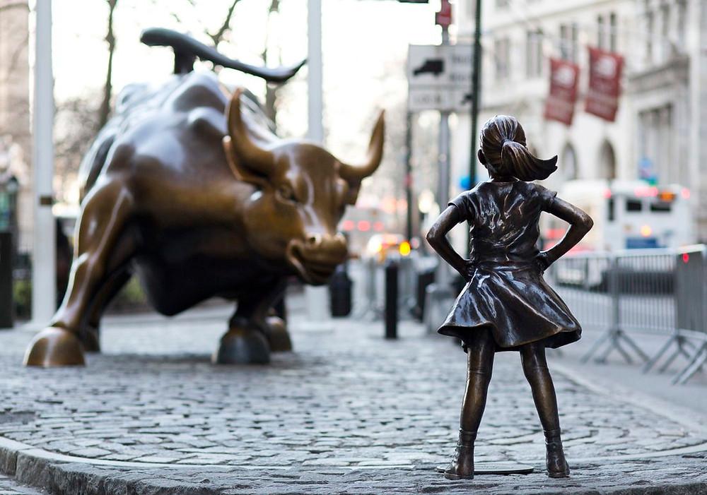 arte cambia significato - riflessione New York Charging Bull Fearless Girl - Il Tuo Biografo
