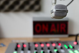 Nina Ferrari racconta il mestiere di biografo in diretta a Radio Vaticana Italia