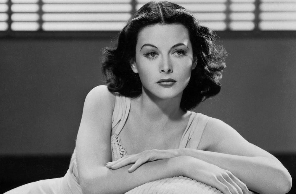 Biografia di Hedy Lamarr attrice Hollywood scienziata informatica Il Tuo Biografo