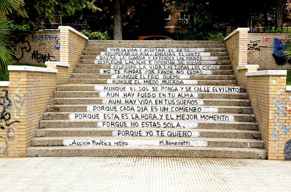Poesia Mario Benedetti - scalinata Madrid - bufala - Il Tuo Biografo
