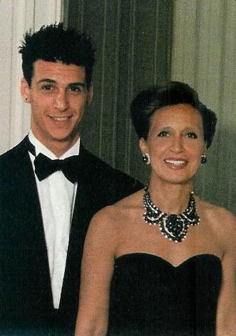 Danielle Steel ritratta assieme al figlio Nick Traina