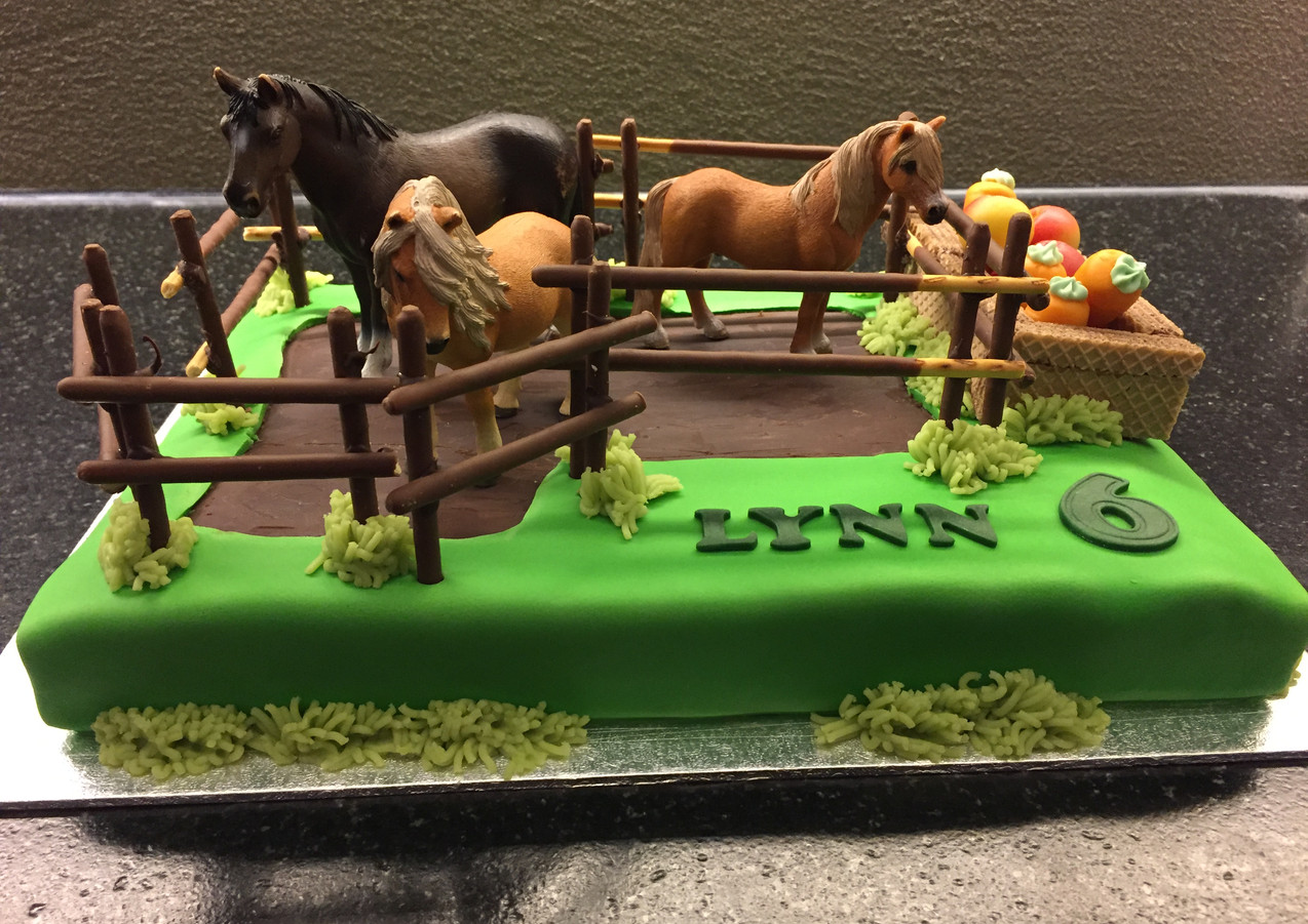 Pferdekoppel Torte
