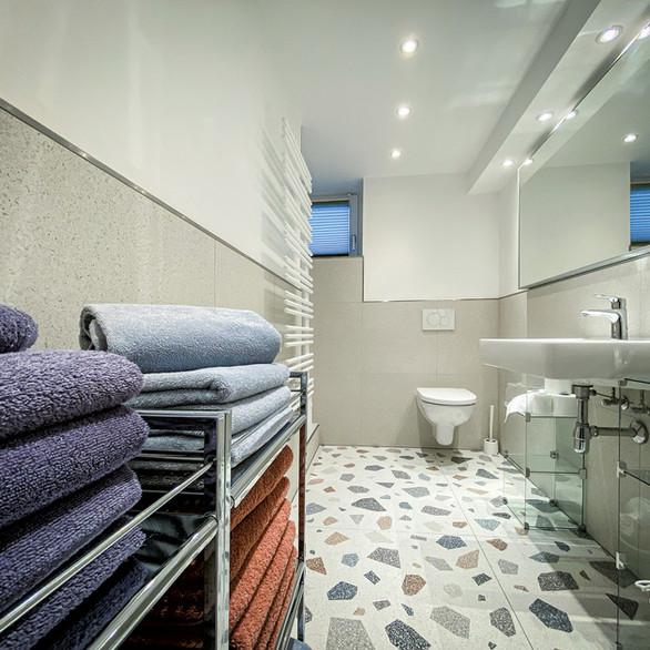 Klare Linien, modernes Design auch im Badezimmer.
