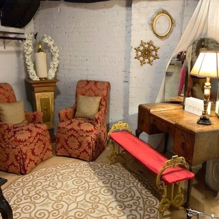 Lower Lounge (Bridal Suite)
