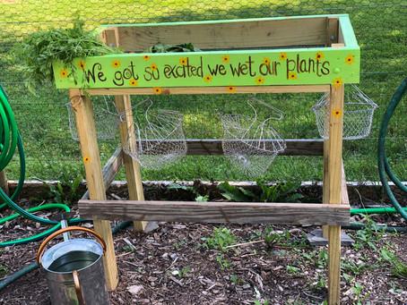 DIY: Garden Veggie Wash Stand