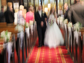 Why it's a BAD IDEA to get a friend or Uncle Bob to shoot your wedding!