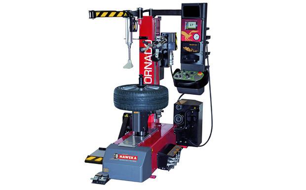 Reifenmontiermaschine.jpg.12549826.jpg