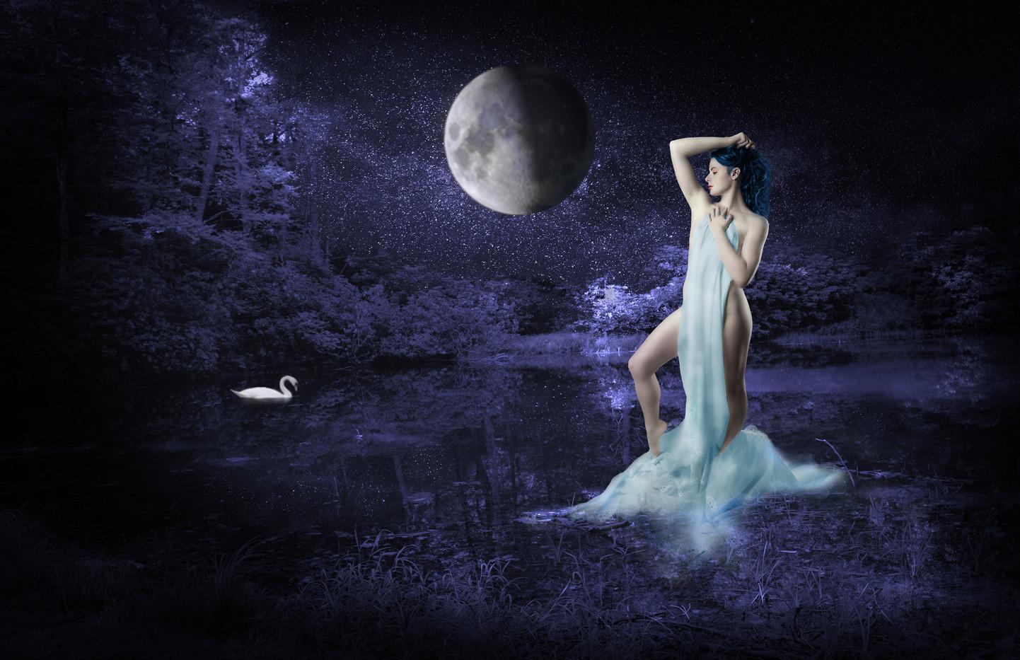 Moon Goddess_5484b.jpg