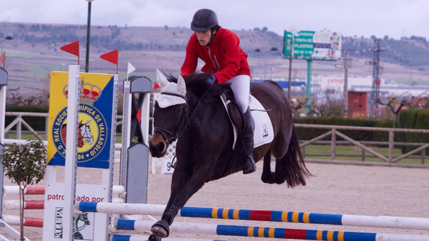 Primer puesto de Álex y Daloa en Concurso de Salto