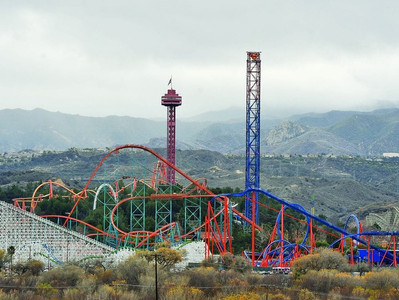 All about Magic Mountain in Los Angeles, California