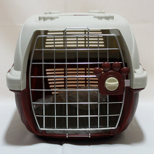 Carrier with Paw Lock Design