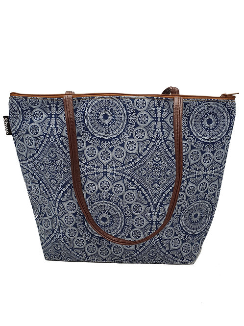 Square Tote, with zip