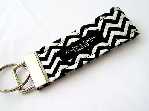 Black Chevron - Mini