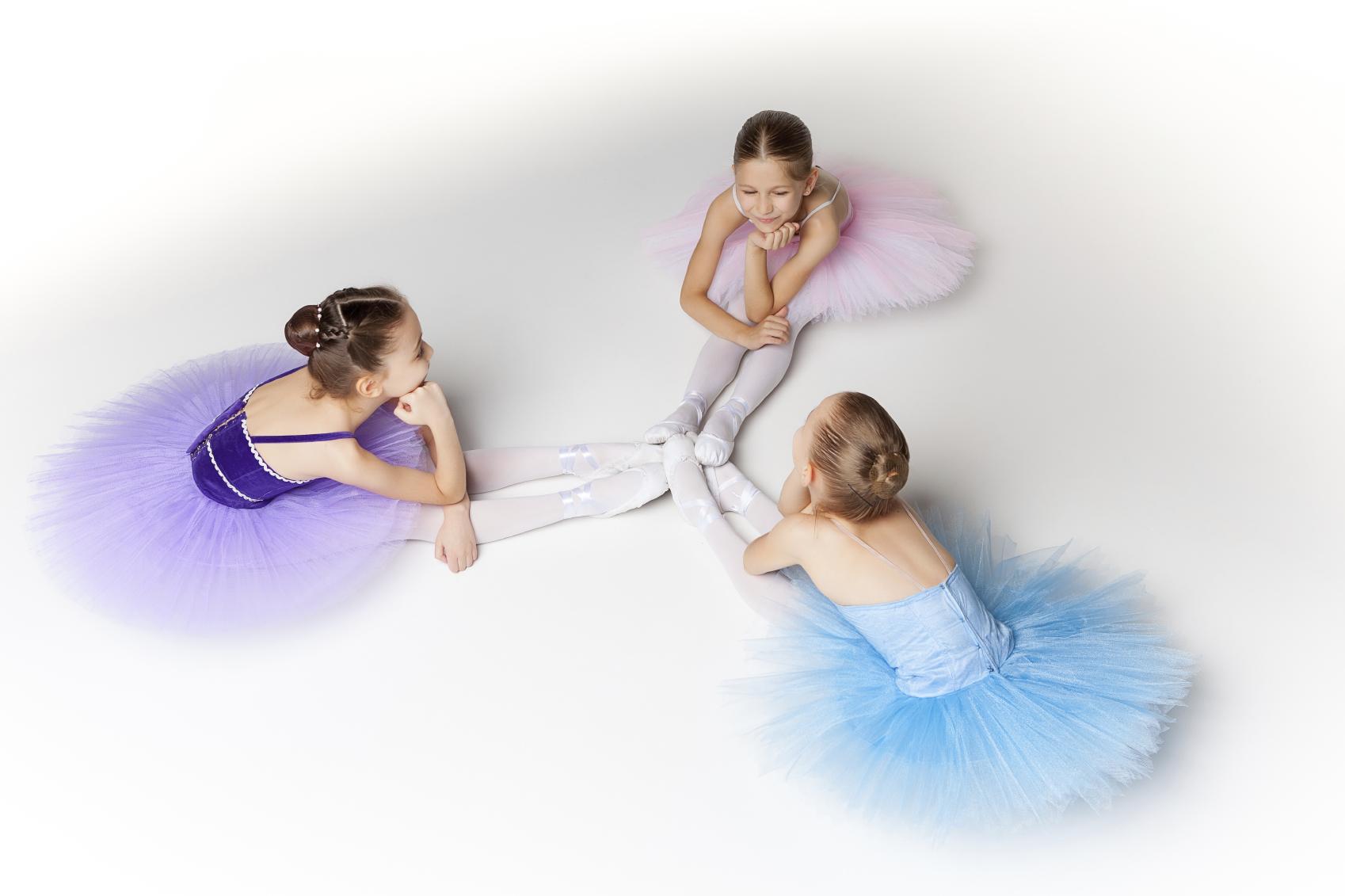3ballerinas.jpg