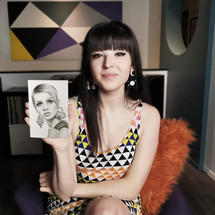 with my mini portrait of Twiggy