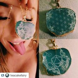 happy customer! _teacakefairy _#odesza _odesza #sacredgeometry #flowers #laseretched #agate #goldpla