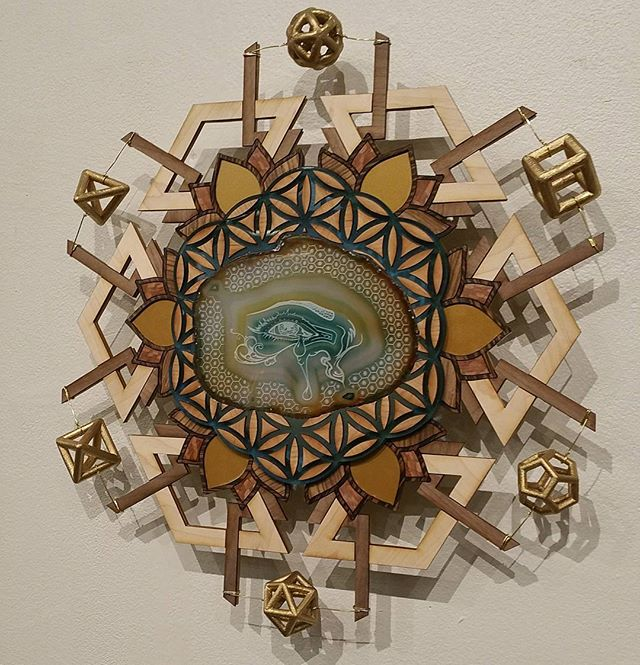 calling this one _The Eye of Plato__#laseretched #lasercut #agate #sacredgeometry #floweroflife #pla