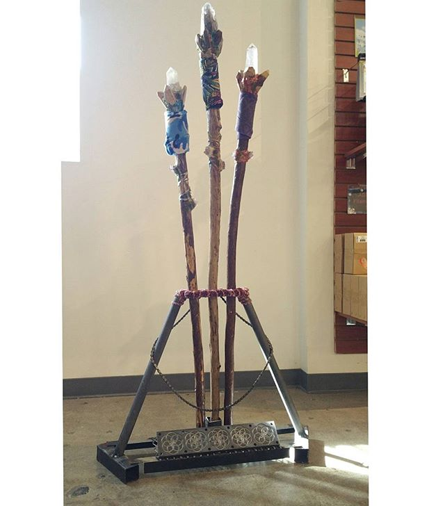 made a lil stand to display the staffs ;)_#welding #freematerials #yarn #floweroflife #sacredgeometr