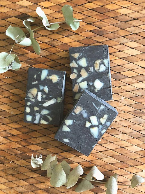 Barefoot At Home - Active charcoal soap
