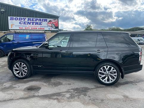 Body Repairs Caerphilly, Paint Spraying Caerphilly, Caerphilly Body Shop, MOT in Caerphilly, Paint Spraying Caerphilly, MOT Centre Caerphilly, Range Rover Vogue LWB, Black Range Rover