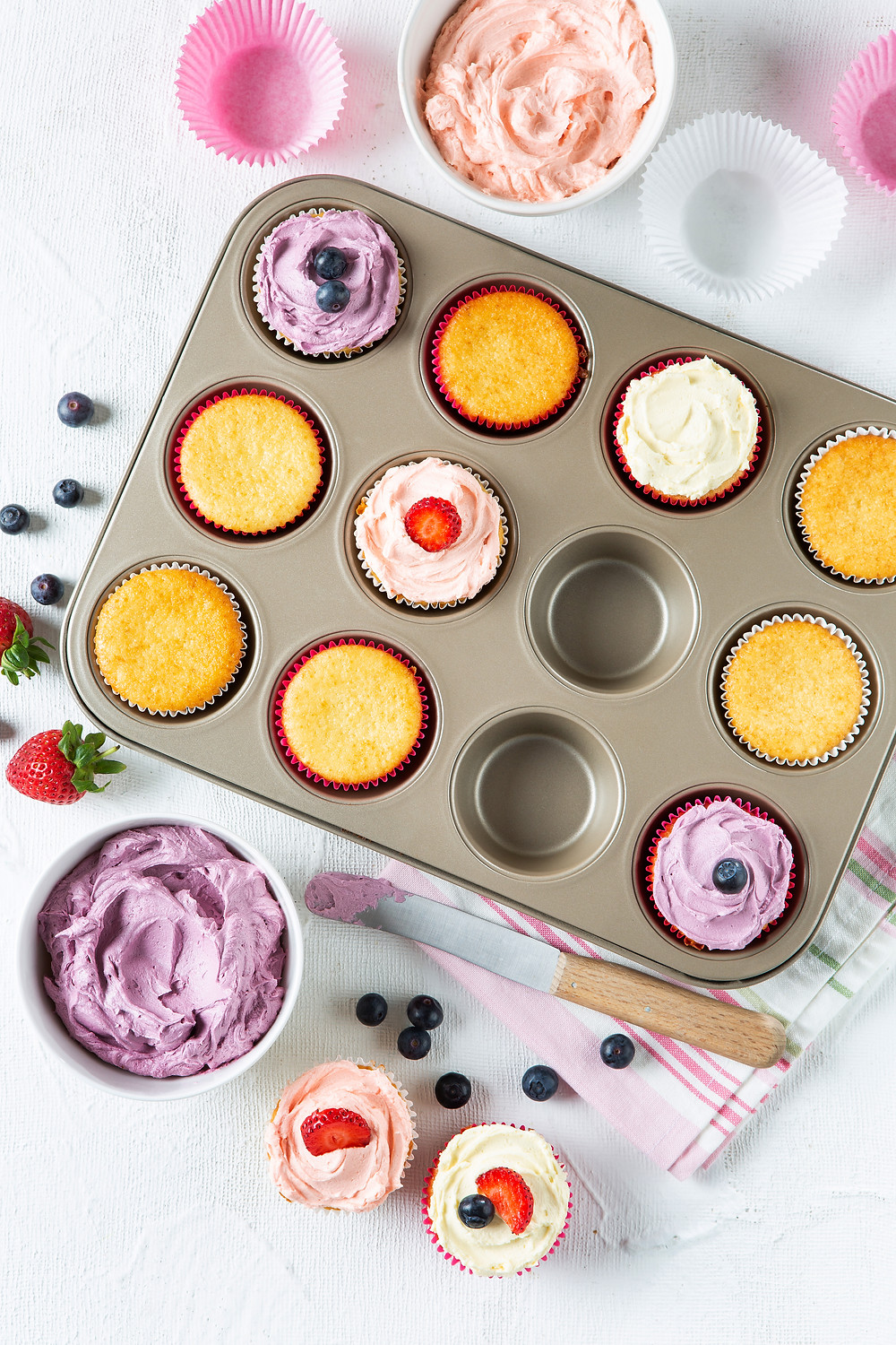 Cupcakes, Baking, Baking powder, Colours, Essences, Icing