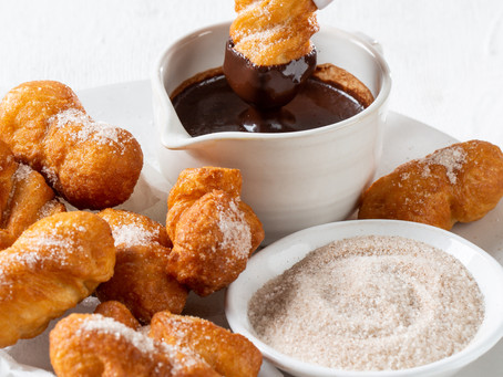 VETKOEK WITH CHOCOLATE DIPPING SAUCE AND CINNAMON SUGAR