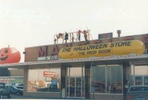 1980s Mangelsen's!