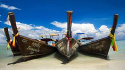 La plage des pirogues Zeavola