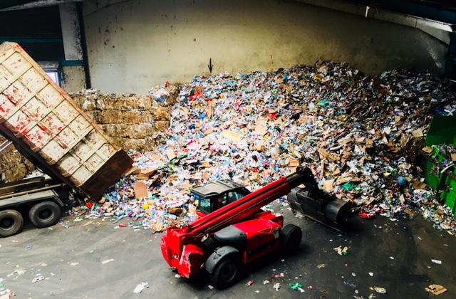 camions de poubelle verte