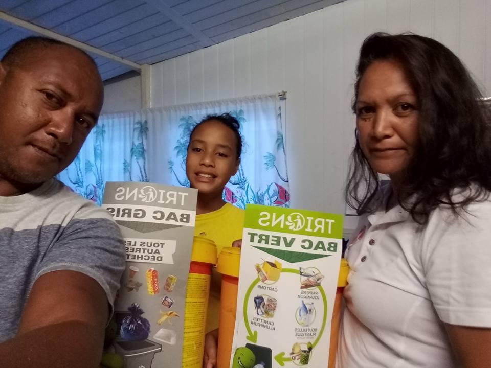 Famille_de_Maro_Allons_enfants_de_Tahhiti,_le_jour_du_tri_est_arrivé
