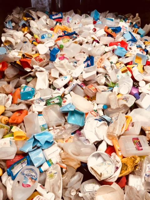 les bouteilles en plastique triés