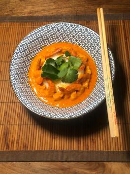 Crevette au curry rouge et lait de coco. 16€.