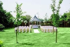 outdoor-wedding-ceremony-vaultymanor_170