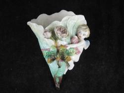 ANTIQUE KPM PORCELAIN CHERUB PUTTI & ENCRUSTED FLOWERS WALL POCKET