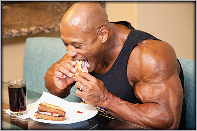 bodybuilder_food_eating1.jpg