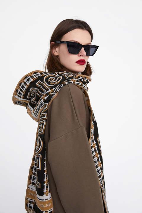 Zara Woman Sweatshirt with scarf