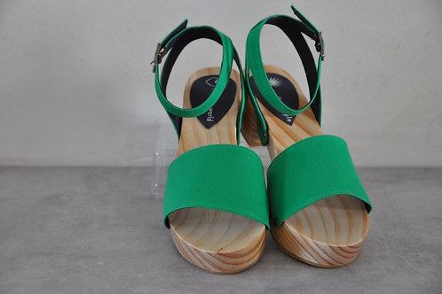 Low heels, straight, green