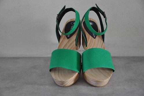 Heels, straight, green