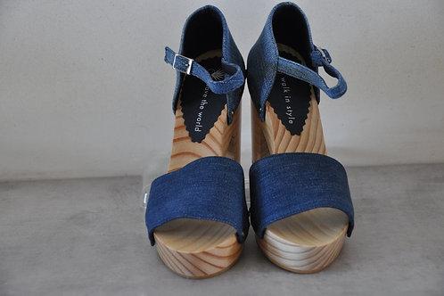 High heels, straight, jeans