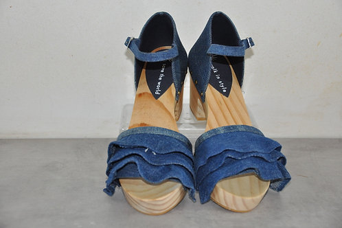 Heels, rushes, jeans