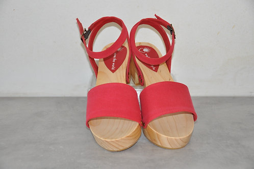 Low heels, straight, red