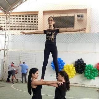 """As Olimpíadas IAE 2018 tiveram como tema """"Se o importante é competir, o fundamental é cooperar"""". Objetivamos, desta forma, por meio do trabalho desenvolvido pelos professores, fortalecer a inclusão dos estudantes em práticas de exercício e estimular a participação, a solidariedade, a competição saudável e o respeito entre todos."""