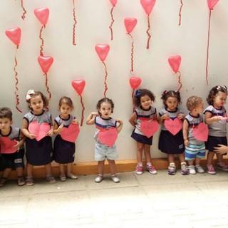 O Dia das Mães foi marcado por homenagens no Instituto Albert Einstein (IAE), com a presença mais que especial das mamães. A data também foi comemorada com elas em 11 de maio ao som de Jean Araújo, no Massas e Cia. Delicatessen.