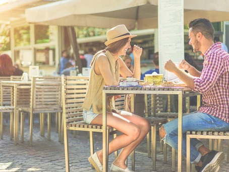 How Can An Outdoor Restaurant Partition Benefit The Customer Experience?
