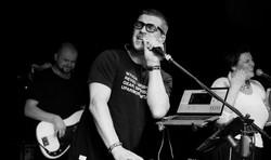 Антон Беляев и группа «Therr Maitz»