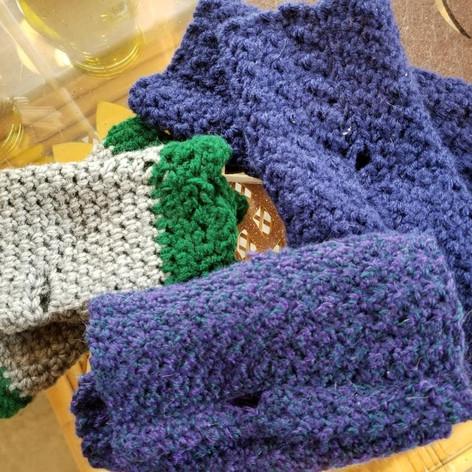 48s/49m/50l. Hand Crocheted Fingerless Gloves