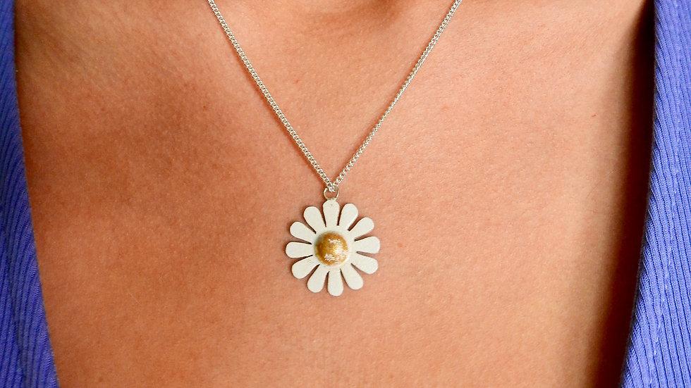 Small Silver Daisy