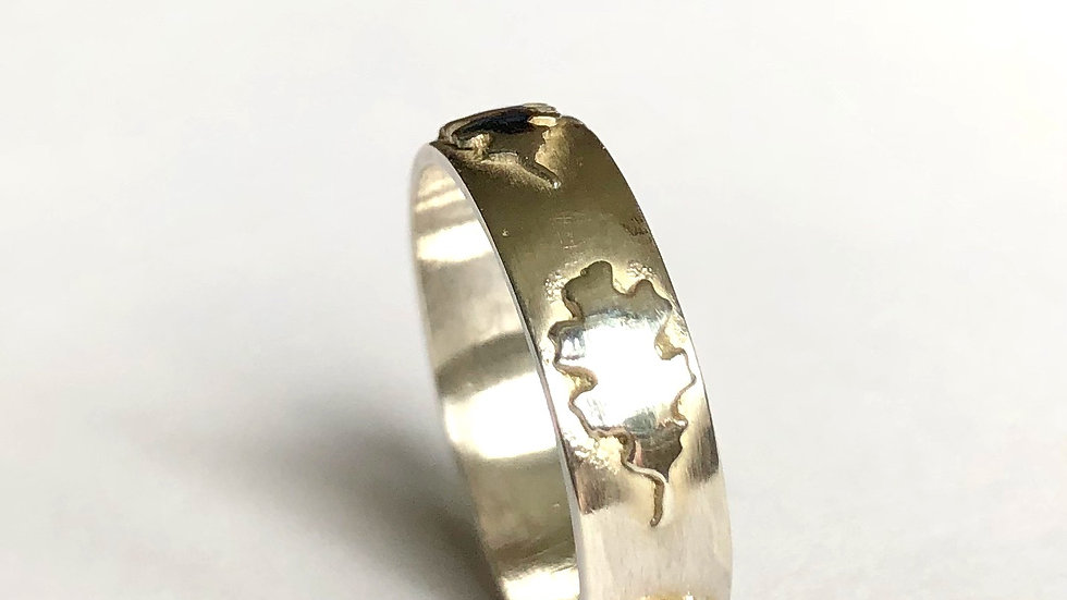 Silver Ring with oak leaves